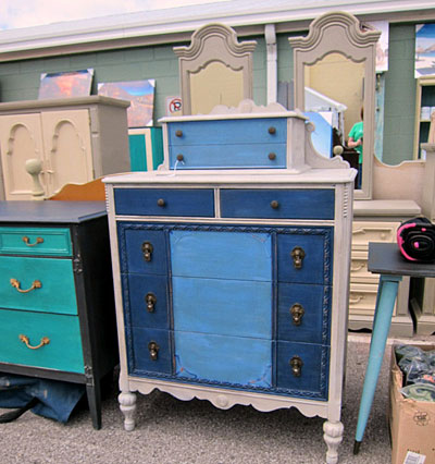 Bedroom furniture at a Nashville flea market booth